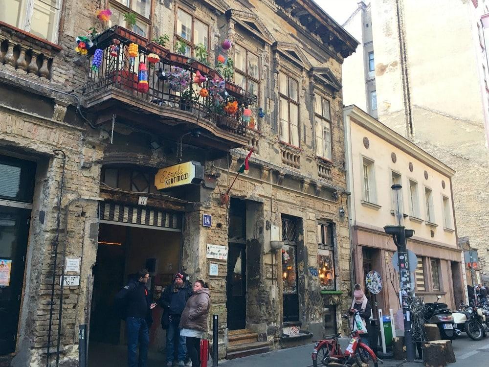 Budapest Reisetipps Szimpla Kert Ruinenbar