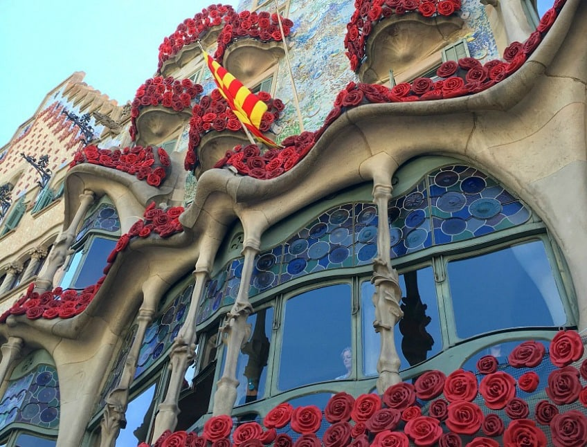 sant-jordi-barcelona-casa-batllo