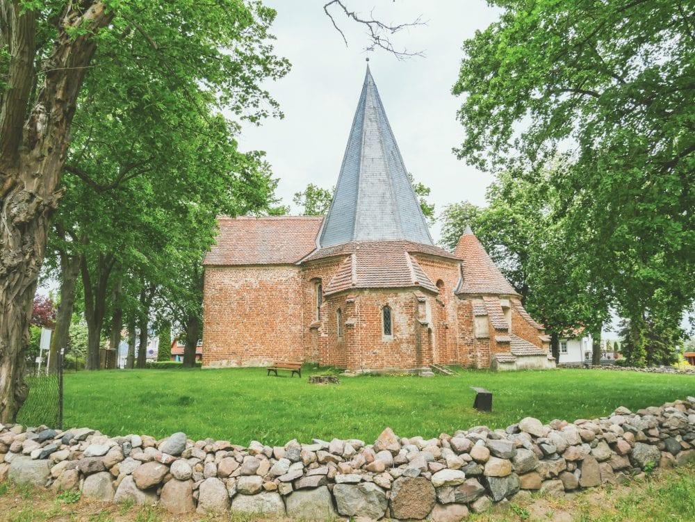 Romantikhotel-Ludorf-Mueritz-Kirche