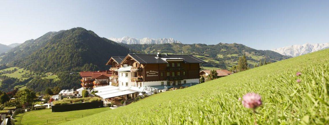 Sonnhof-Alpendorf-im-Sommer
