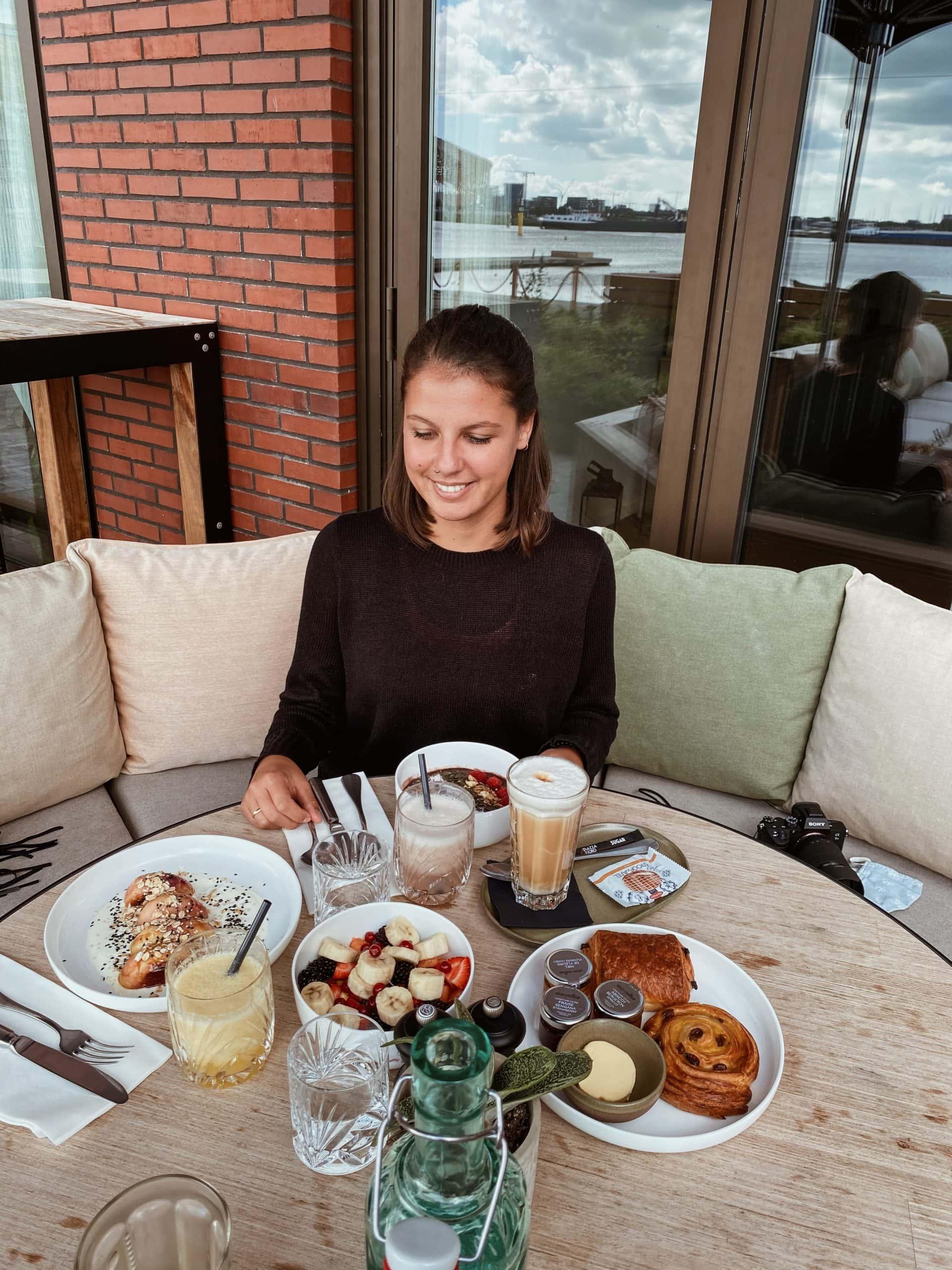 BOATCo-Amsterdam-Unterkunft-Frühstück4