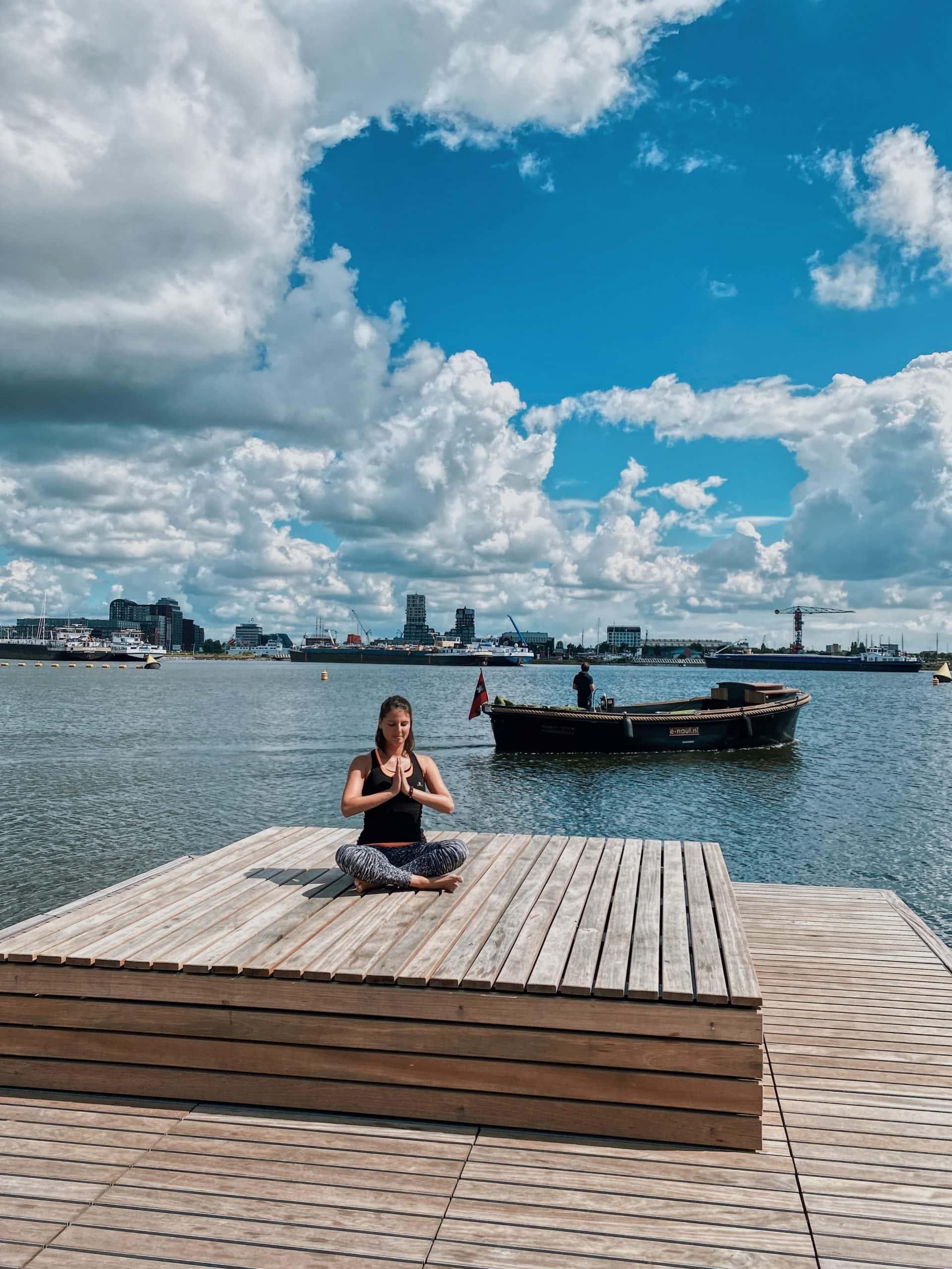 BOATCo-Amsterdam-Unterkunft-Yoga